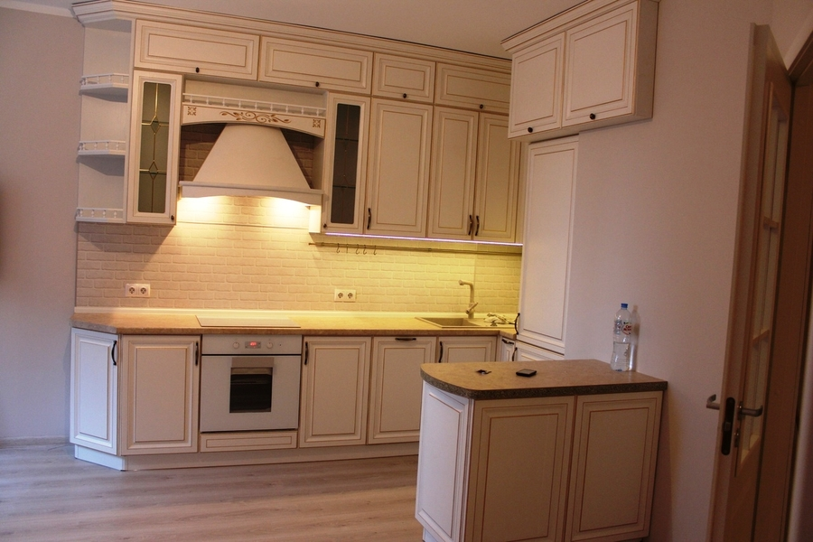 Белый кухонный гарнитур-Кухня МДФ в ПВХ «Модель 39»-фото1