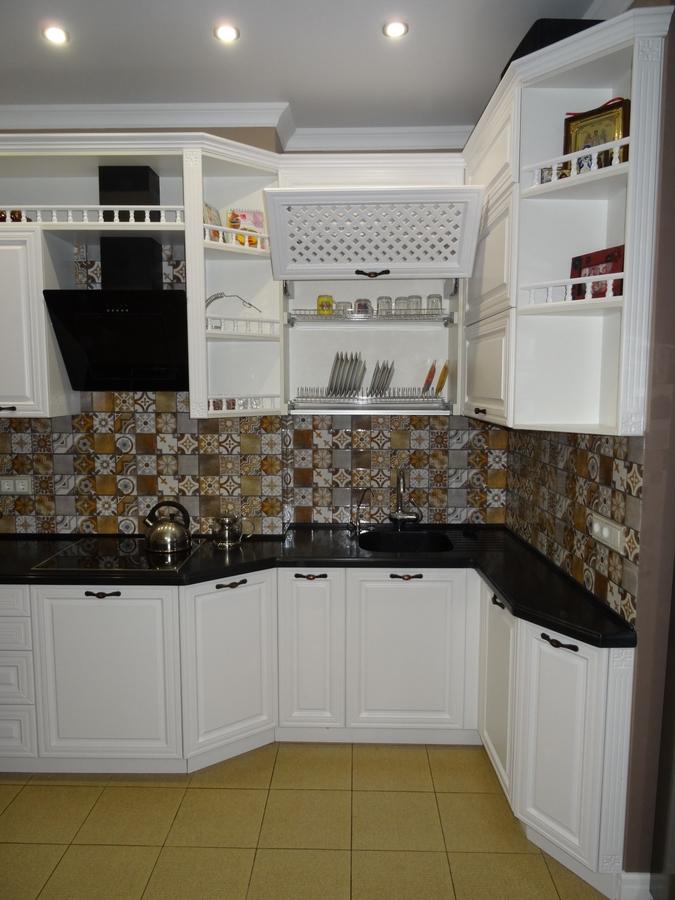Белый кухонный гарнитур-Кухня МДФ в эмали «Модель 20»-фото5