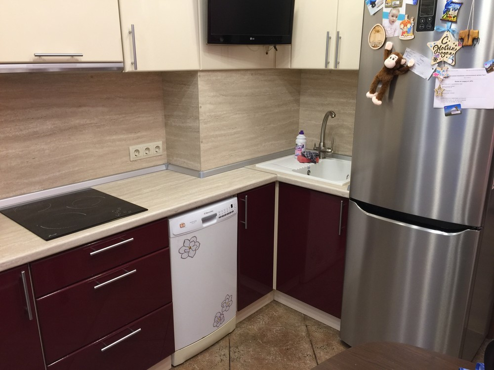 Белый кухонный гарнитур-Кухня МДФ в ПВХ «Модель 359»-фото1