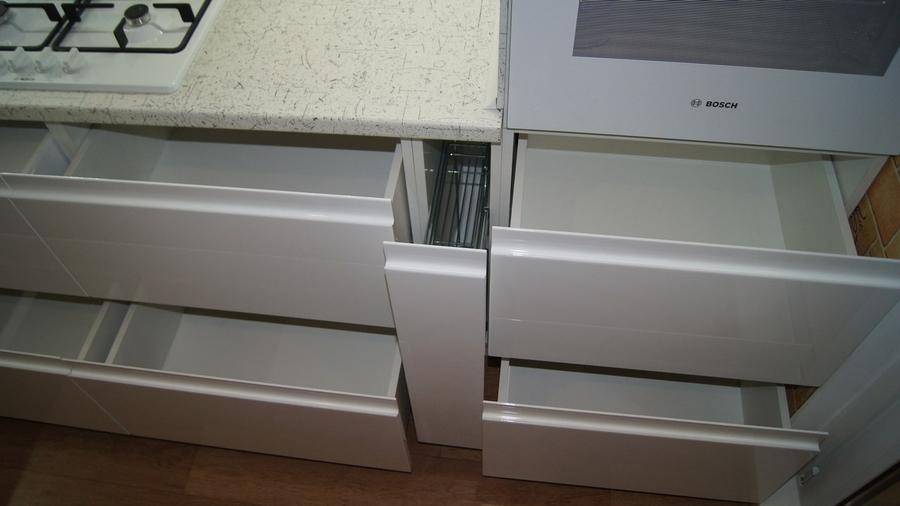 Белый кухонный гарнитур-Кухня МДФ в эмали «Модель 286»-фото7