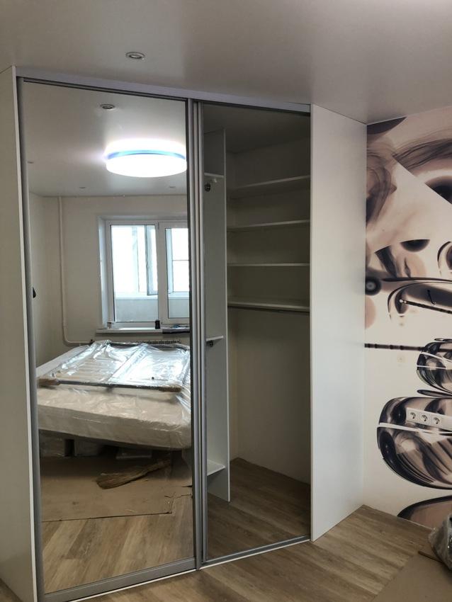 Белые шкафы-купе-Шкаф-купе из стекла Лакобель «Модель 478»-фото3